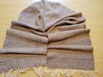 Schal aus Alpaka/Seide handgesponnen verwebt und mit Pailettengarn als Highlight