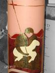 Taufkerze, klassische Form, Lamm, Detail