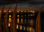 Schilfboote bei Nacht