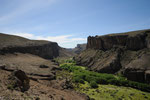 In dieser Schlucht lebten die Ureinwohner Patagoniens im Winter welche die Haende hinterlassen haben