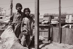 Straßenkinder beim Müllsammeln