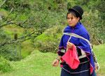eine Bewohnerin von Silvia ein Dorf in der Nähe von Popayan