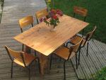 Table et chaises léonnardes