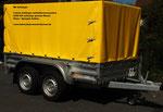 Unser Anhänger wird für die BE Schulung eingesetzt, hat Doppelachse, Auflaufbremse, 2400 KG ZGM