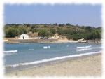 Blick auf die Kapelle des Strandes Pandeleimon