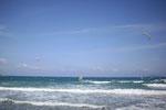 Besonders beliebt bei den Wellenreitern ist der Strand Karavostasi im Herbst, wenn es auch mal stürmische Tage gibt.