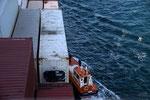 Lotse (Practico) kommt an Bord