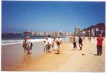 Wir gingen ziemlich bald nach der Ankunft an den Strand von Copacabana