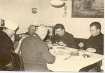 Beim Frühstück: Onkel Hermann, Rudi Hotopp