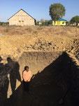 Mathias als Reverenz in der Abwassergrube