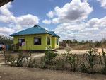 Sicht von der Veranda wo gegessen wird Richtung Njumba Simba und im Hintergrund das Njumba Twiga