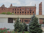 Die zerschossene Mühle, einziges Haus nach d. Krieg