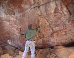 Le pitture rupestri raffiguranti cacciatori San, a Ingwe