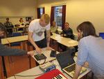 Workshop-Teilnehmer bei der Beat-Produktion