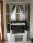 Raccordement du tube rigide et du tube flexible au sommet du foyer