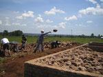 2007 Das Fundament für den ersten Bauabschnitt wird gelegt