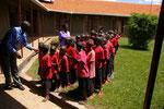 2010 im Februar haben wir die ersten zwei Klassen der Primary School