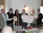"""150 € spendete der Bürgerverein Heuchelhof: Dieses Geld kommt """"Der Tafel"""" zu gute"""
