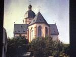 Der Ostchor von St. Stephan in Mainz. Hier befinden sich die Fensterbilder von Marc Chagall