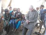 Die Witwe Sughran Bibi und ihre 7 Kinder haben gerade erfahren, daß für sie beginnend im April 2012 ein Haus gebaut wird