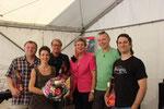 Karin Kolb dankt der Klimmer-Band für ihr Engagement.