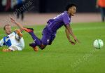 Shkelzen Gashi (L,GCZ) gegen Juan Cuadrado (Fiorentina)