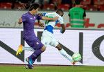 Sebastian Roncaglia (L,Fiorentina) gegen Anatole Ngamukol (GCZ)