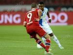 Nzuzi Toko (GCZ) gegen Lisandro Lopez (Lyon)