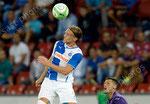 Michael Lang (L,GCZ) gegen Manuel Pasquali (Fiorentina)