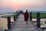 Coucher de soleil sur le pont U Bein (Birmanie)