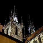 Teynkirche bei Nacht