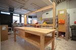 Werkbank mit indirekter Beleuchtung / Buche massiv / LEDs / Möbelbau