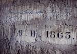 Signatures anciennes et plaque de consolidation