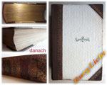 Buchreparatur - Bild 2/2 danach - Buchrücken erneuert und ergänzt - Cover und Schnitte gereinigt - Goldschnitt gefunden - lose Seiten befestigt - Buchecken gefestigt