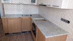 Кухонная столешница из индийского гранита Кашмир Вайт. Мойка подстольного монтажа.