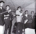 THE BINTANGS  - 1e bezetting 1961-1962 - vlnr: Piet Maas, Meine Fernhout, Arti Kraaijveld (alleen gitaar in beeld),  Jimmy Jansen (drums), Rob Weijsters, James Schwab en Frank Kraaijeveld.