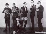 THE BEAT BOYS vlnr: Roy Henninger - Ray de Viso - Wim Grift (voorgrond) - George Bernard - Hans Stevens - Bert van Veldhuisen