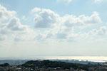 大嶽頂上から西側、首里城、慶良間諸島を望む