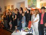 Gruppenfoto der KünstlerInnen für die Presse