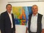 Alois Riedler mit Edmund Gruber vor einem Bild von Koll. Karl Bonstingl