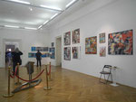 ) Rundgang durch die zahlreichen Räume der Ausstellung