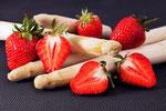 Erdbeeren an Spargel #2