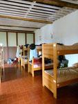 Herberge mit Nummerierten Betten