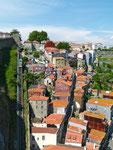 Stadtbahn vom Rio Douro in die City