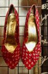 Totenkopf- Schuhe 16 €
