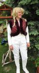 Modell Anne- bestickter Taft+ Kanin
