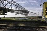 Hauptbrücke und kippenseitiges Fahrwerk