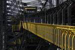 Gelber Laufsteg als Farbtupfer an der Museumsabraumförderbrücke F60, Lichterfeld