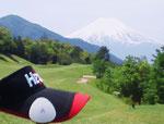 富士山を仰ぐ西東京GCにて開催された某団体様のコンペで無料体験イベントを実施。デモ機をご利用頂いた方々の中から、優勝者を含む入賞&飛び賞の受賞者が続出しました。「イイ事が起きて良かった~♪」