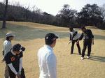 『スクールゴルフミッション』様が開催するコース内でのアプローチレッスンにて、スクールの生徒さん達にVC3をご利用頂きました。(川崎国際生田緑地ゴルフ場)